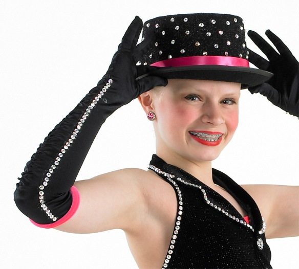 black-pink-glove-hat