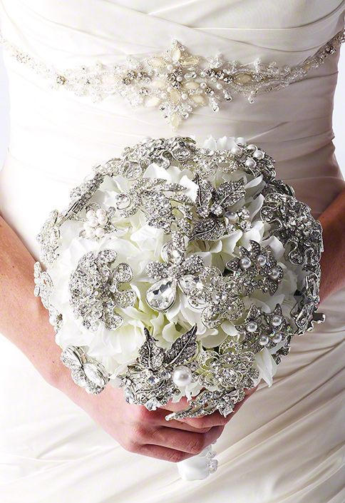 Brooch bouquet- cropped