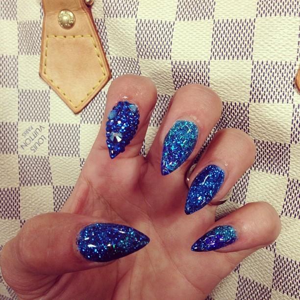 Melia Oceanic Blues Nails